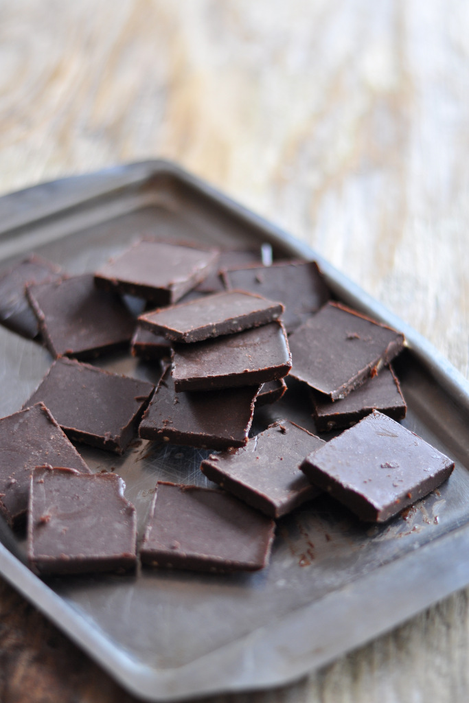 Make your own raw chocolate